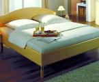 Möbel: Betten 102