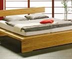 Möbel: Betten 105