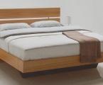 Möbel: Betten 121