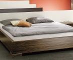 Möbel: Betten 106