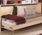 Möbel: Betten 122