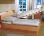 Möbel: Betten 115