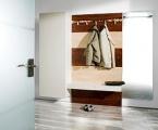 Möbel: Dielen und Garderobenschränke 102