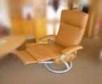 Möbel: Ruhe- und TV-Sessel 153
