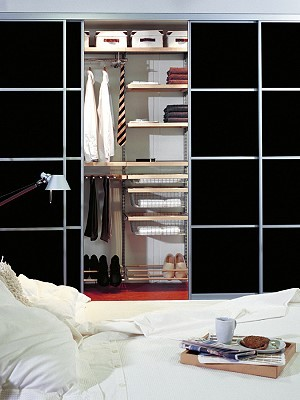schiebet ren m bel delang. Black Bedroom Furniture Sets. Home Design Ideas