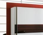 Möbel: Schränke 105